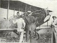Rigau Carrera poses in his plane (1919)