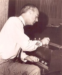 Paul Tanner with Electro-Theremin.jpg
